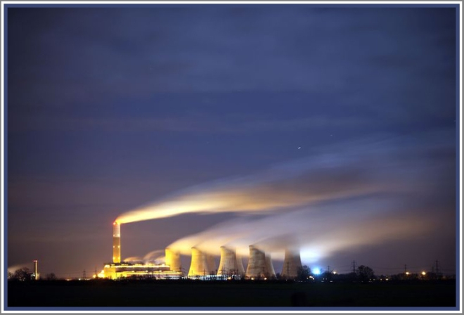 coal-fired cottam power station in retford, nottinghamshire, uk